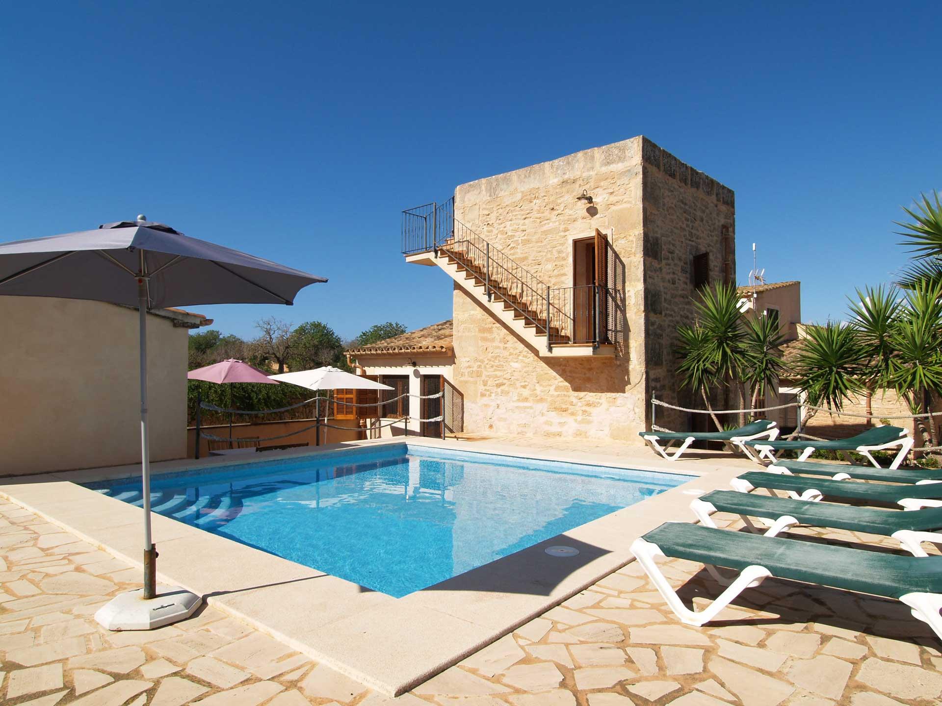 Urlaub ferienhaus mallorca mieten ferienhaus auf for Alquiler maquinaria mallorca